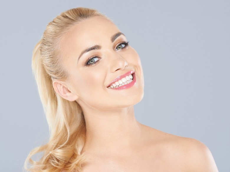 Sorria e se torne mais atraente para os Homens
